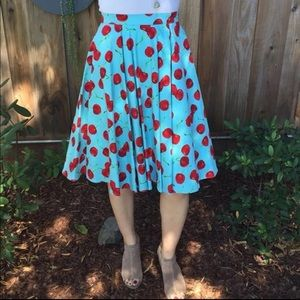 Dresses & Skirts - Vintage style cherry skirt